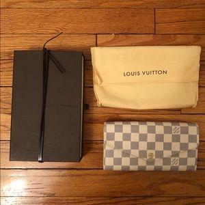 Brand New Louis Vuitton Sarah Wallet